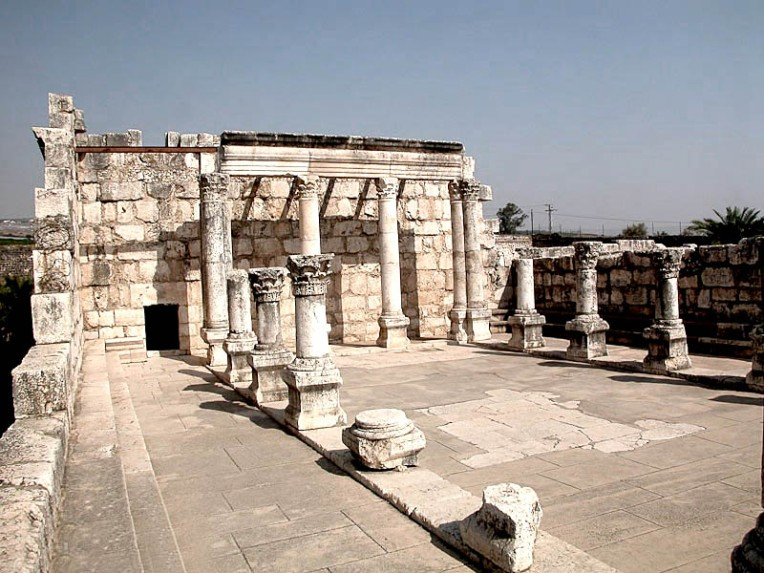 Capernaum-synagogue-interior-tb102602011