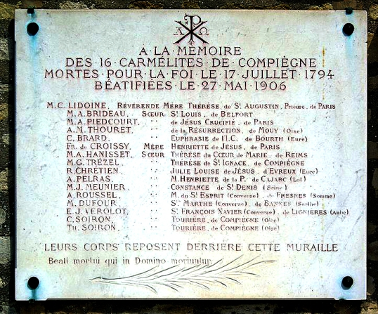 722px-Plaque_Carmélites_de_Compiègne_Cimetière_de_Picpus_Paris_12
